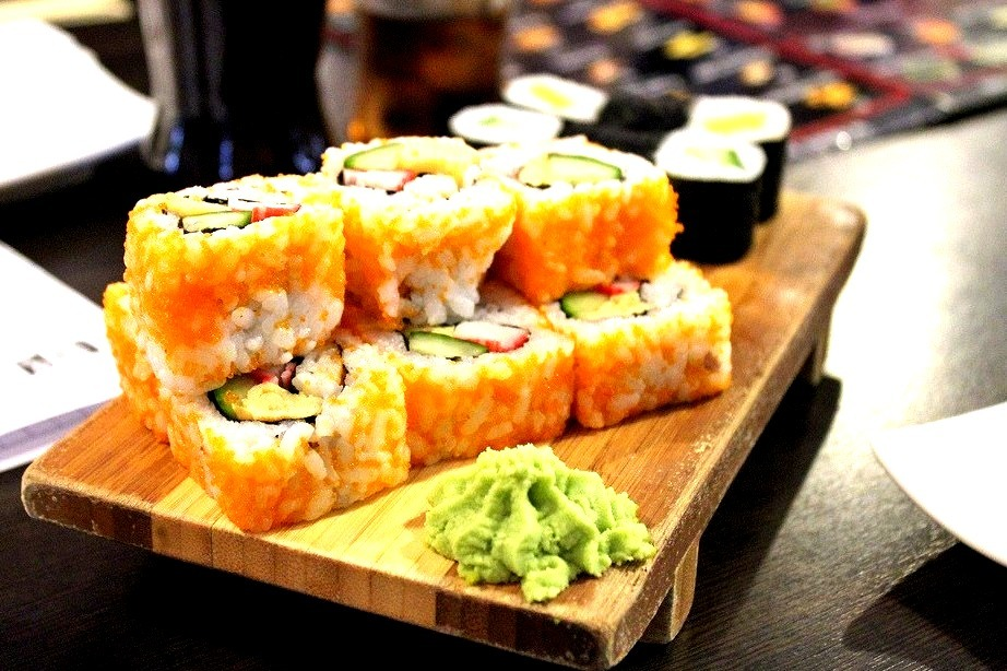 sushi (by House Of Secrets Incorporated)