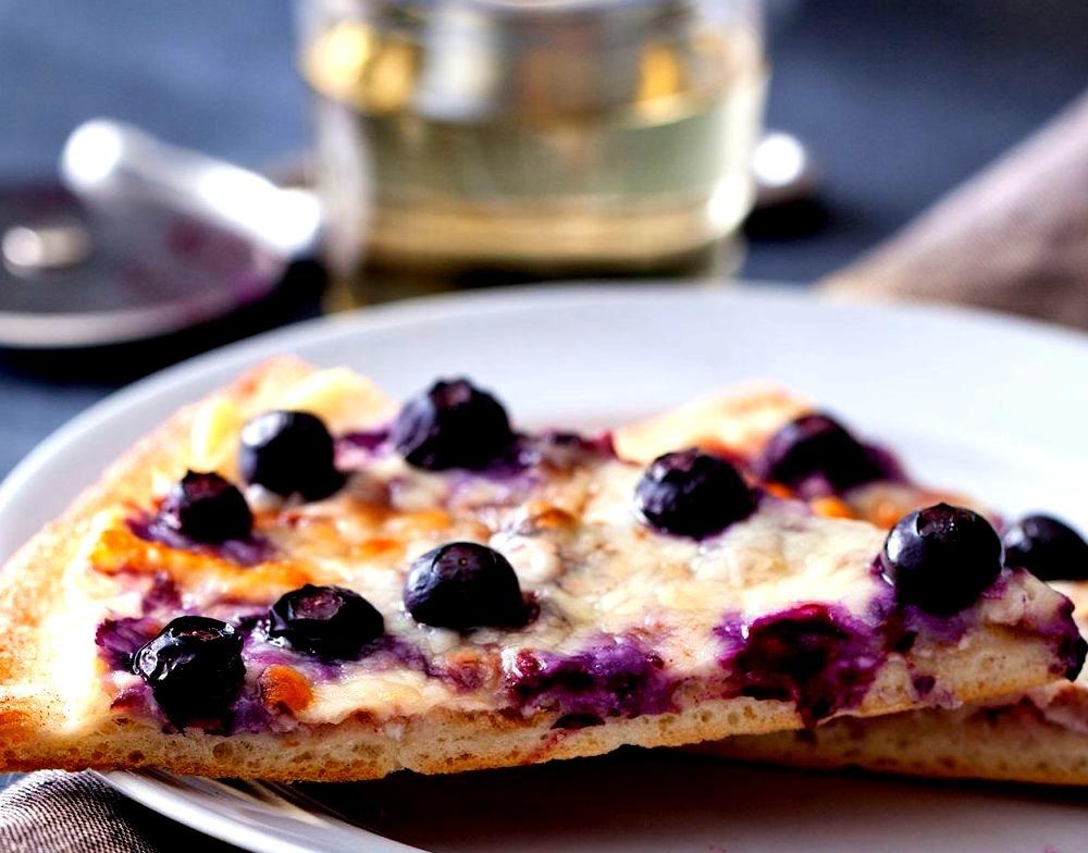 Recipe: Blueberry Dessert Pizza