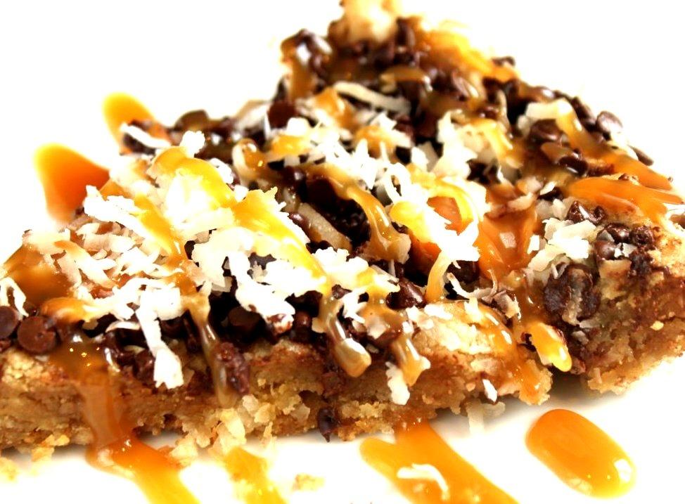 Caramel Coconut Chocolate Chip Skillet Cookie Pie