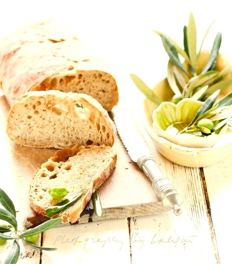 Bread & Olives by Laksmi W on Flickr